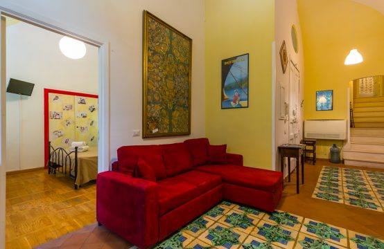 Nightlife Lovers Apartment at Piazza Bellini